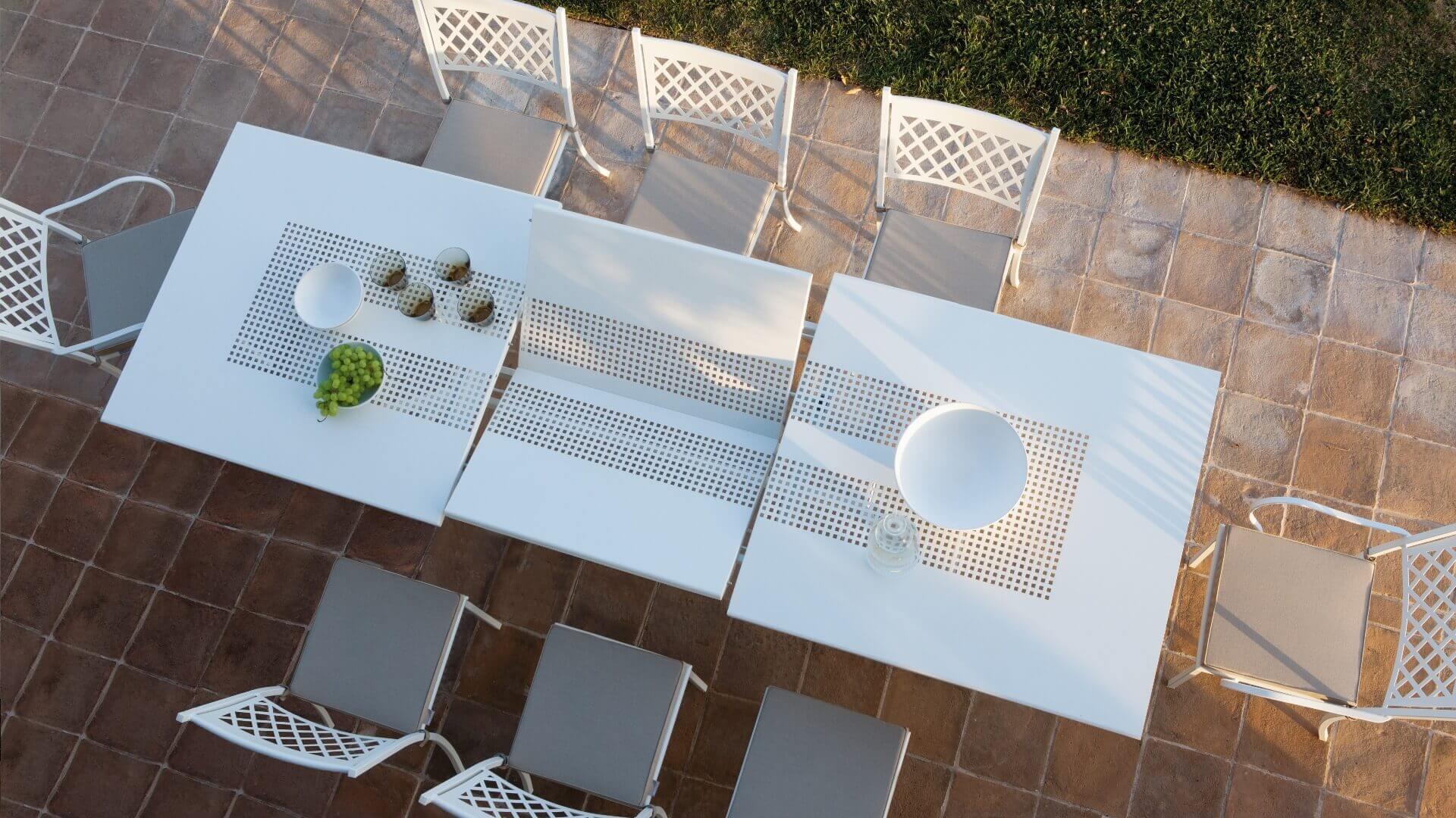 Contract Design - Valentino Summertime