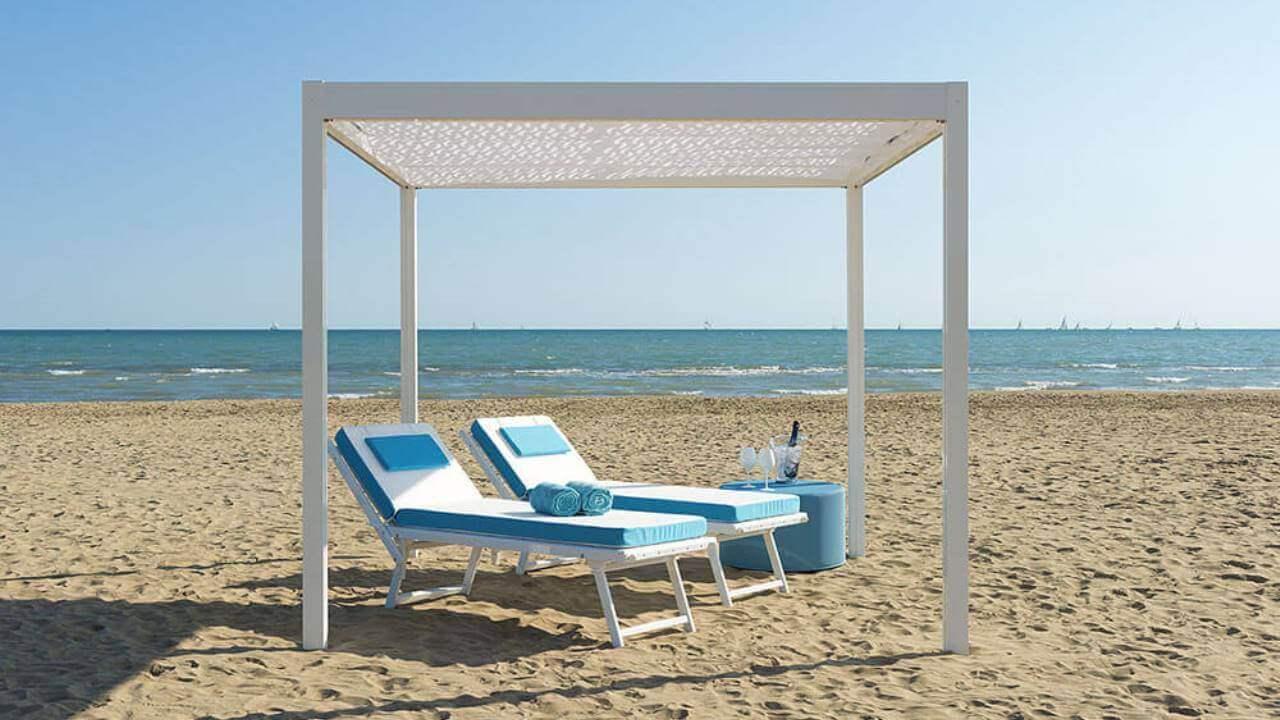 Relax a bordo piscina - Leucos (gazebi professionali)