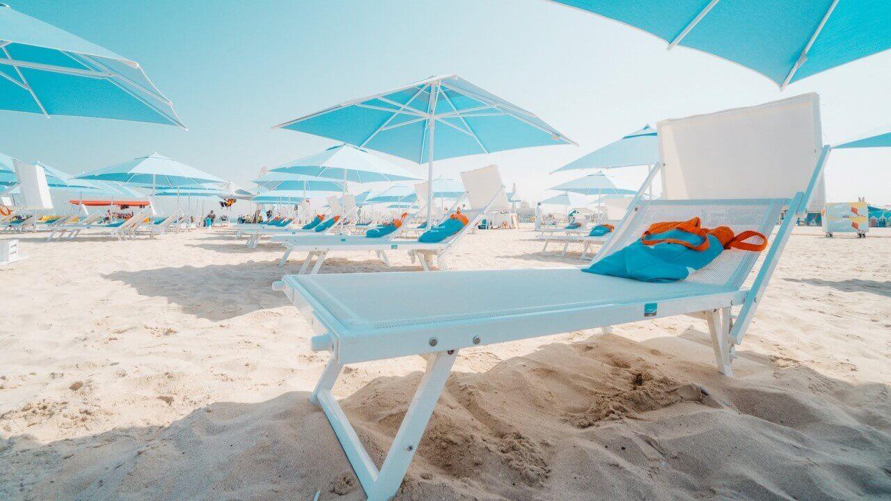 Relax a bordo piscina - Ulisse (lettini da piscina)